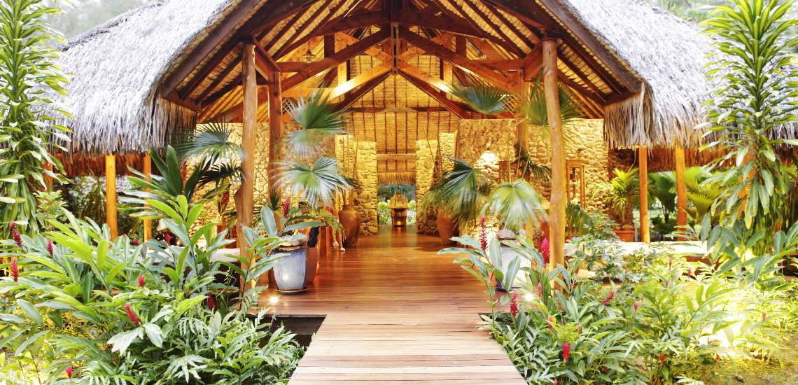 https://tahititourisme.com/wp-content/uploads/2017/08/645-hiResolution-maneaspa_borabora_pearl_beach_resort_28_600.jpg