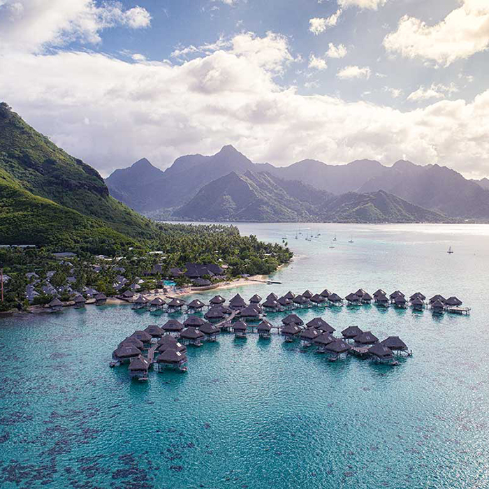 Dive, Dine and Unwind (Rangiroa and Moorea) with Half Board