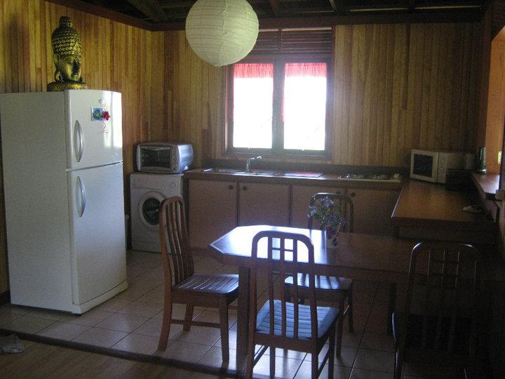 https://tahititourisme.com/wp-content/uploads/2017/08/Fare-Tiare-painapo-cuisine.jpg
