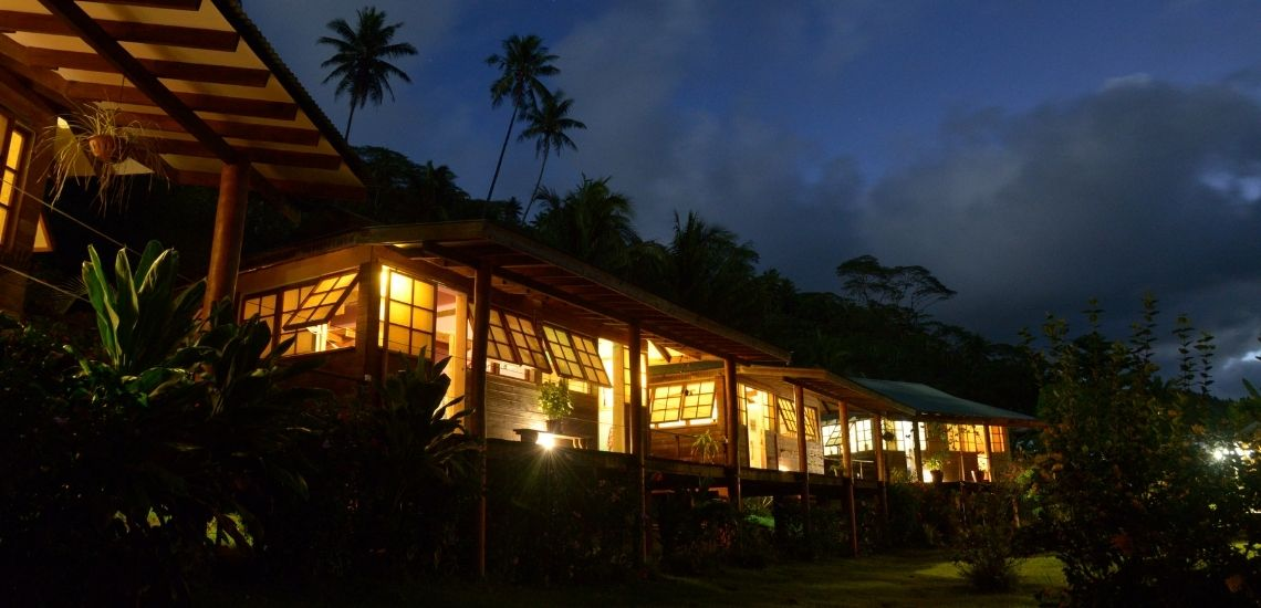 https://tahititourisme.com/wp-content/uploads/2017/08/Fare_Oviri_Lodge_1140x550px_3.jpg