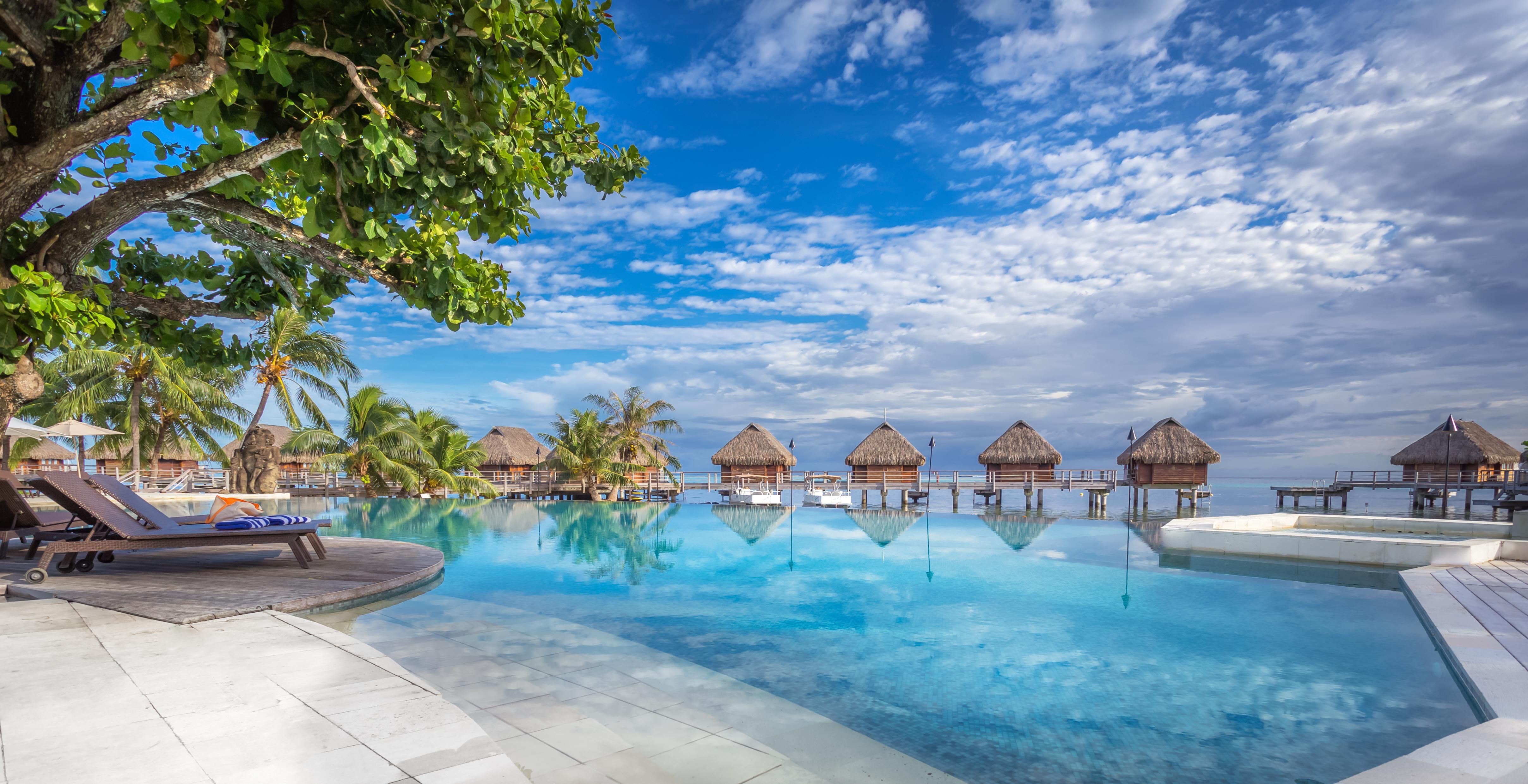 https://tahititourisme.com/wp-content/uploads/2017/08/HEBERGEMENT-Manava-Beach-Resort-and-Spa-Moorea-1-Charles_Veronese.jpg