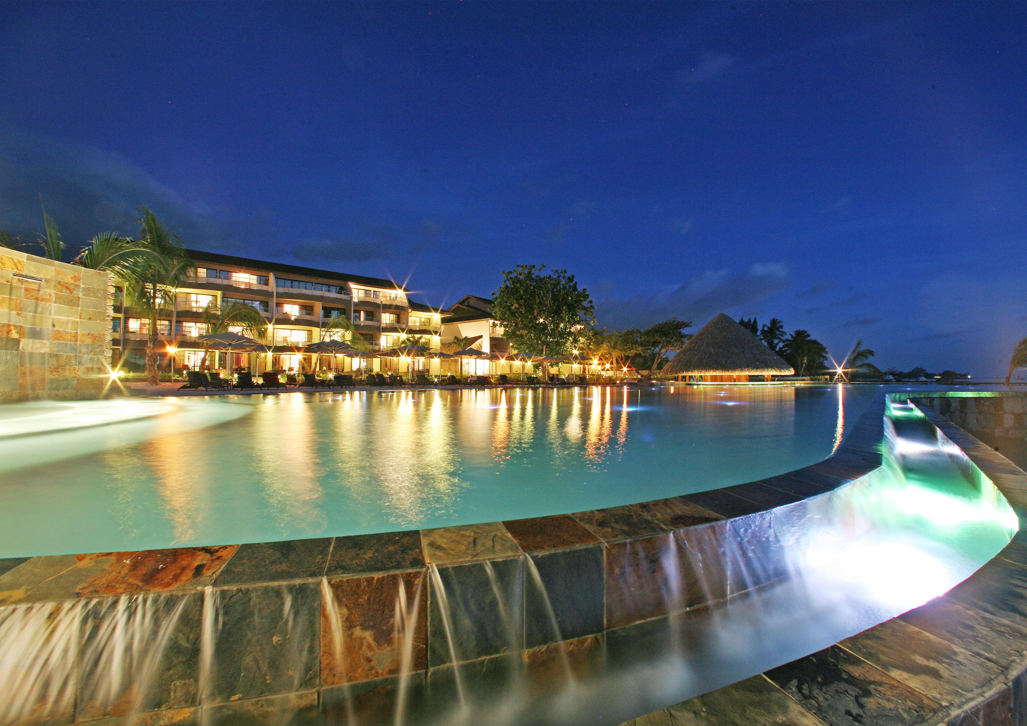 https://tahititourisme.com/wp-content/uploads/2017/08/HEBERGEMENT-Manava-Suite-Resort-Tahiti-1-®-GLB.jpg
