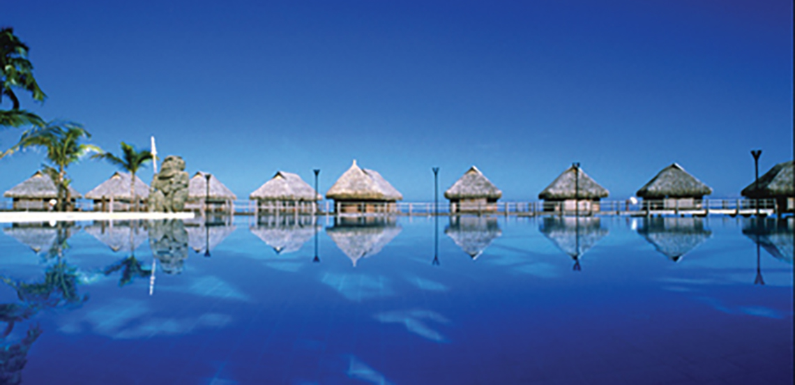 https://tahititourisme.com/wp-content/uploads/2017/08/Overwater-Bungalows-Moorea-Pearl-Resort-Spa-Bluewater_0.jpg