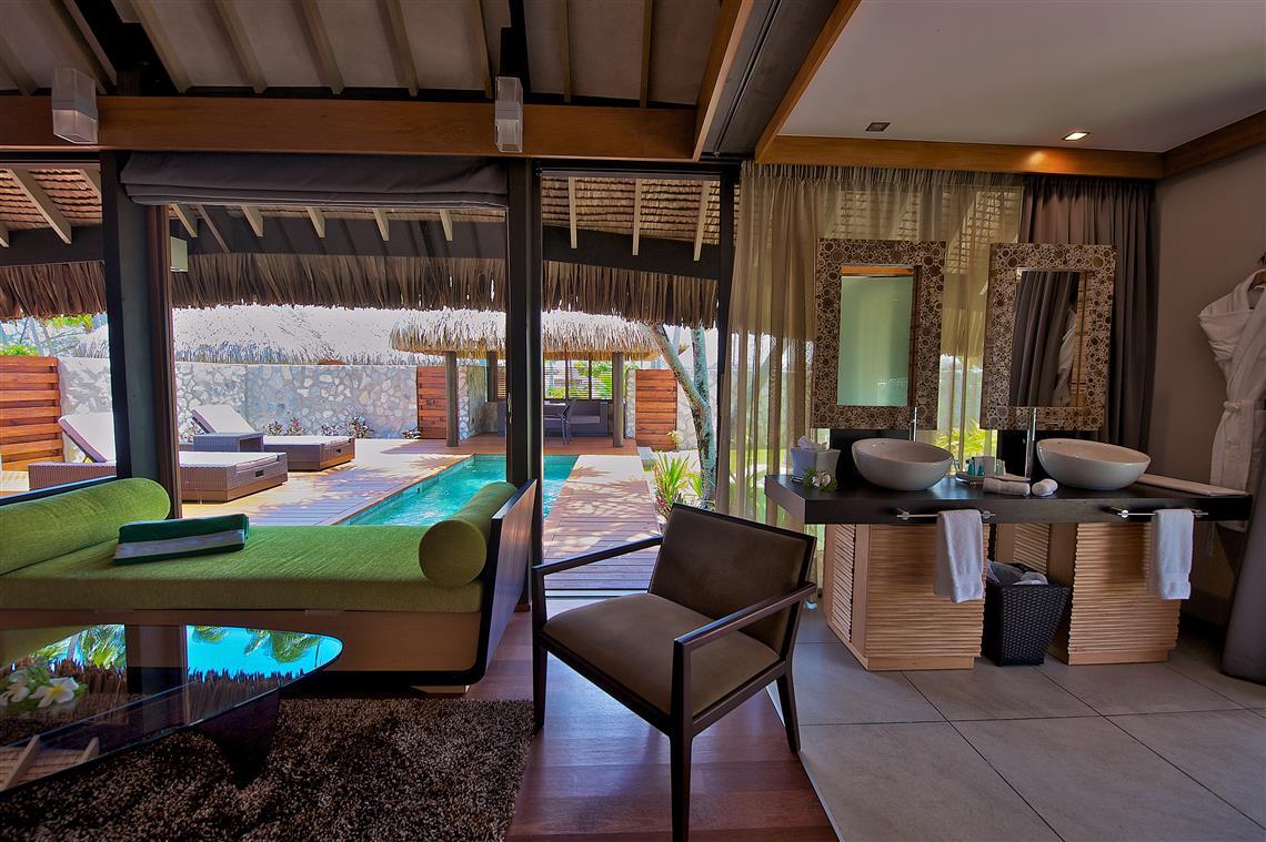 https://tahititourisme.com/wp-content/uploads/2017/08/Pool-villa-at-Kia-Ora.jpg