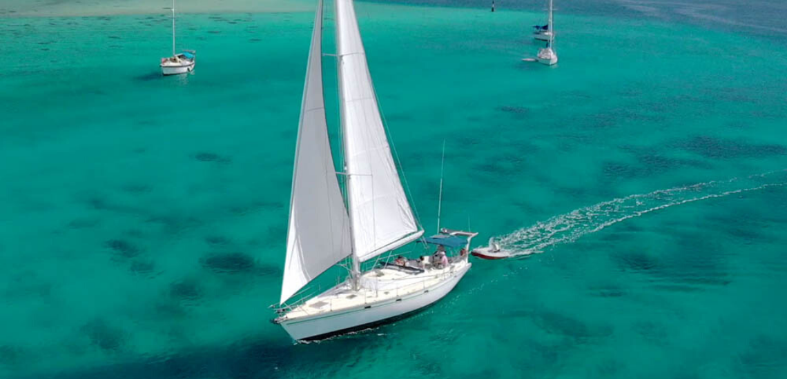 https://tahititourisme.com/wp-content/uploads/2017/08/SailingHuahineVoile_11401x550.png