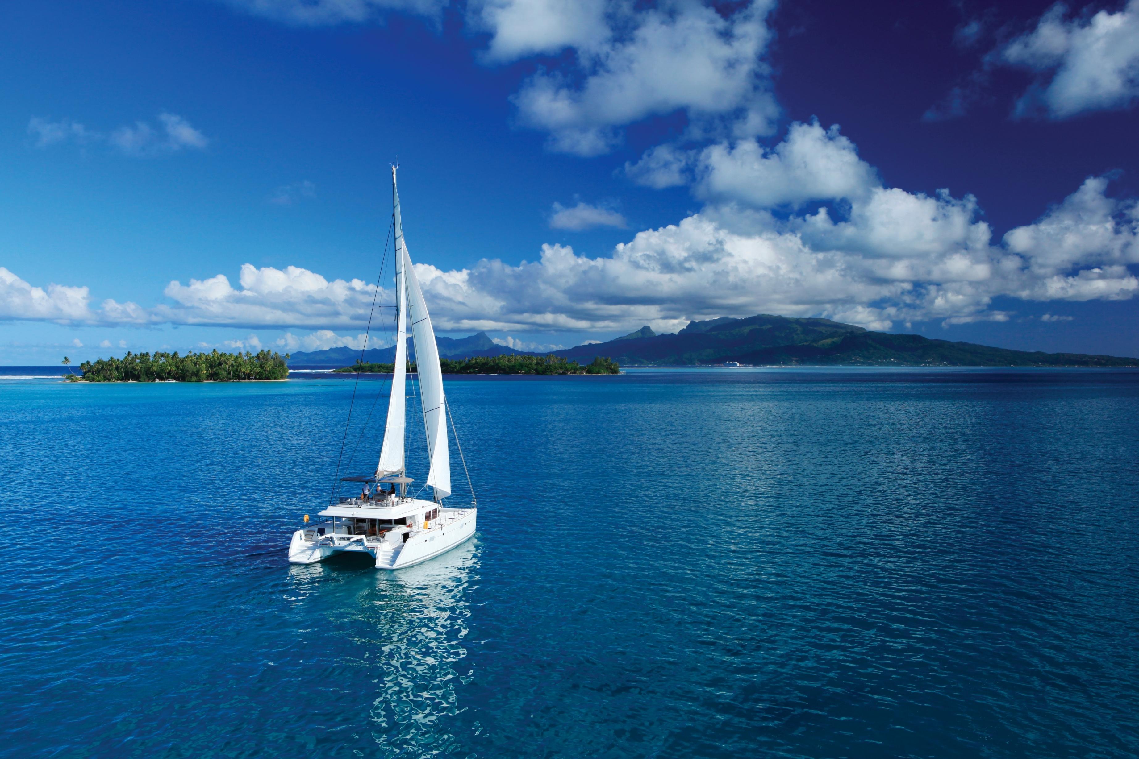 https://tahititourisme.com/wp-content/uploads/2017/08/Tahiti-Yacht-Charter_EXT.jpg