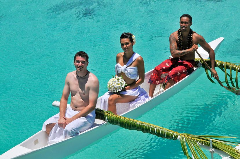 https://tahititourisme.com/wp-content/uploads/2017/08/Wedding-at-Thalasso.jpg