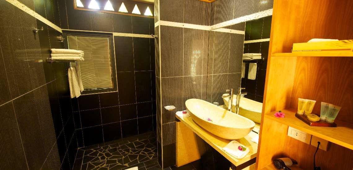 https://tahititourisme.com/wp-content/uploads/2017/08/garden-bungalow-bathroom_16742533656_o_600.jpg