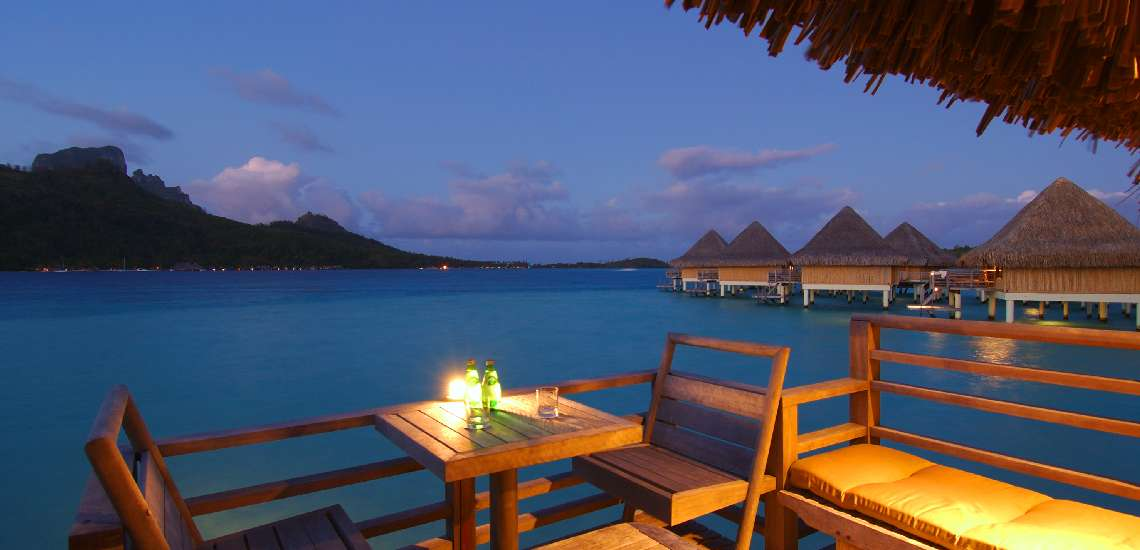 https://tahititourisme.com/wp-content/uploads/2017/08/sunset-and-lagoon-view-from-the-overwater-bungalows-terrace-at-the-intercontinental-bora-bora-le-moana_5457104110_o_600.jpg