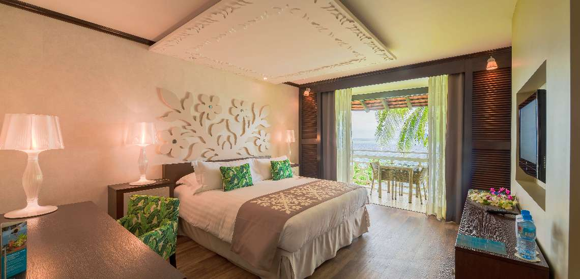 https://tahititourisme.com/wp-content/uploads/2017/08/superior-room-with-a-king-size-bed_23774523695_o_600.jpg