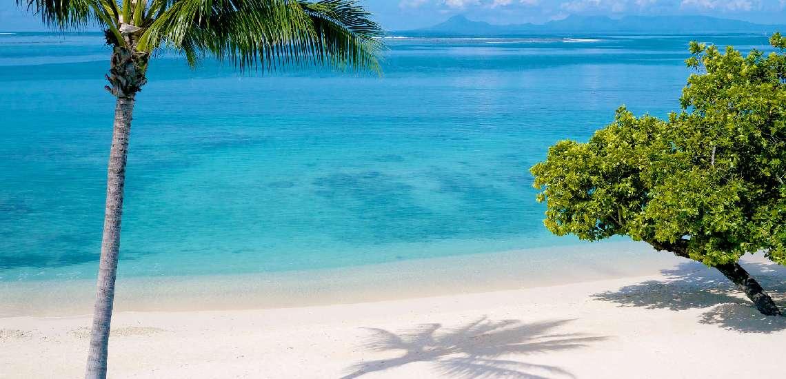 https://tahititourisme.com/wp-content/uploads/2017/08/swimming-pool-beach-lagoon-and-view-of-raiatea_2048_16582290319_o_600.jpg