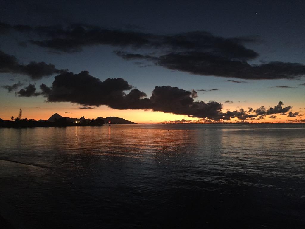 https://tahititourisme.com/wp-content/uploads/2017/09/Mer-coucher-de-soleil.jpg