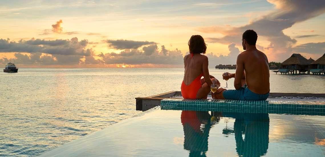 https://tahititourisme.com/wp-content/uploads/2017/11/Conrad-Bora-Bora-Nui-Villa-Pool-Overwater-Villa-4_600.jpg