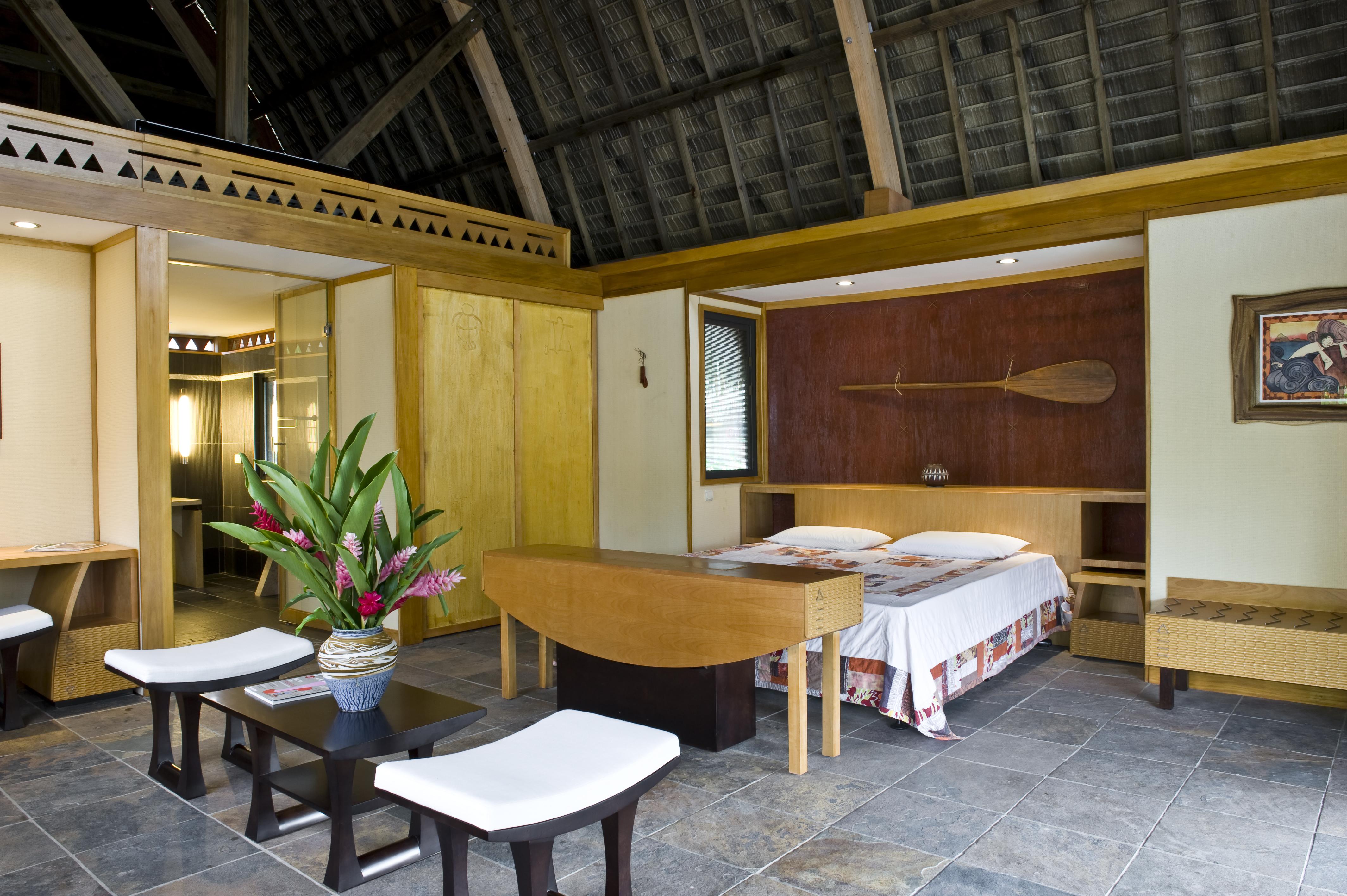 https://tahititourisme.com/wp-content/uploads/2017/11/HUH-Maitai-Room-Interior-2.gallery_image.1.jpg