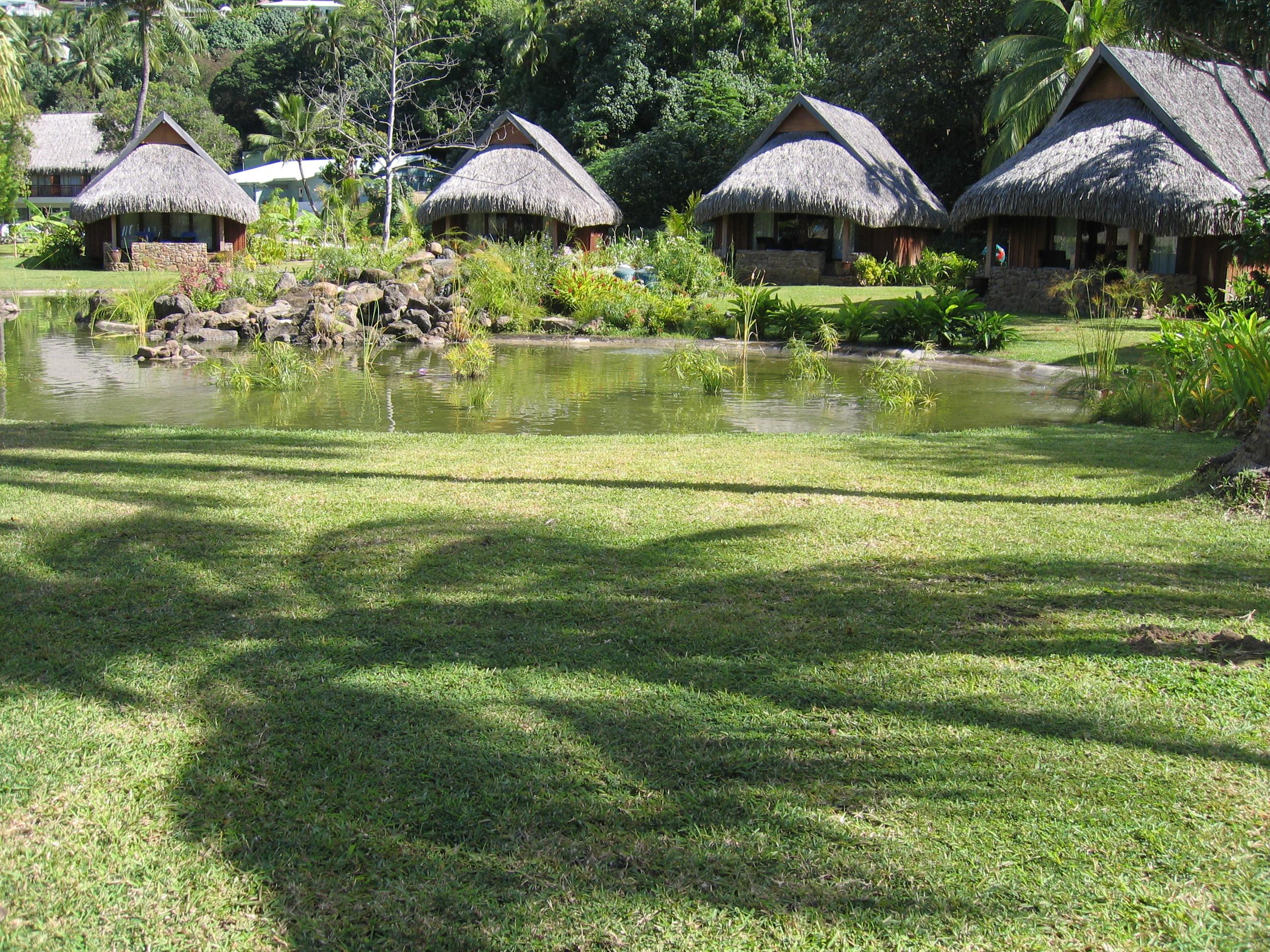 https://tahititourisme.com/wp-content/uploads/2017/11/MOZ-Sofitel-Moorea-Deluxe_Garden_Bungalows_photo-by-Angelique-2007.jpg