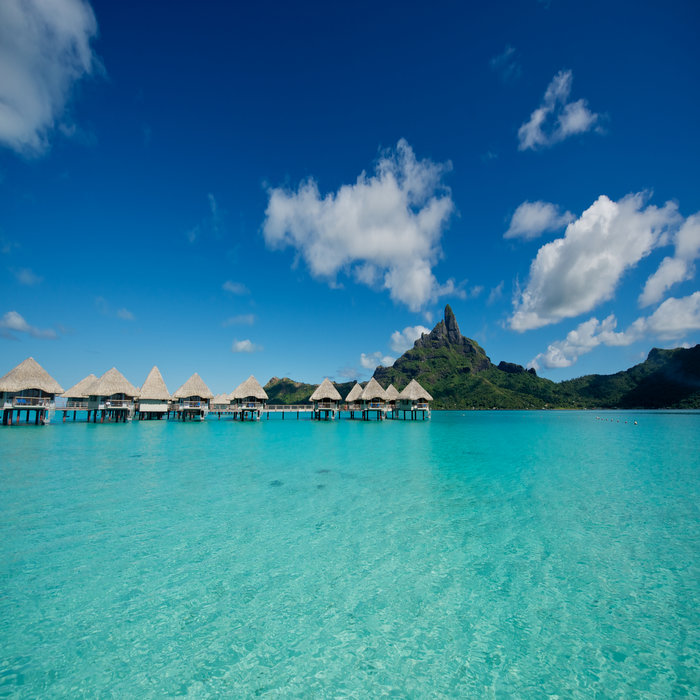 12 Days with Meals  in Moorea, Huahine and Bora Bora