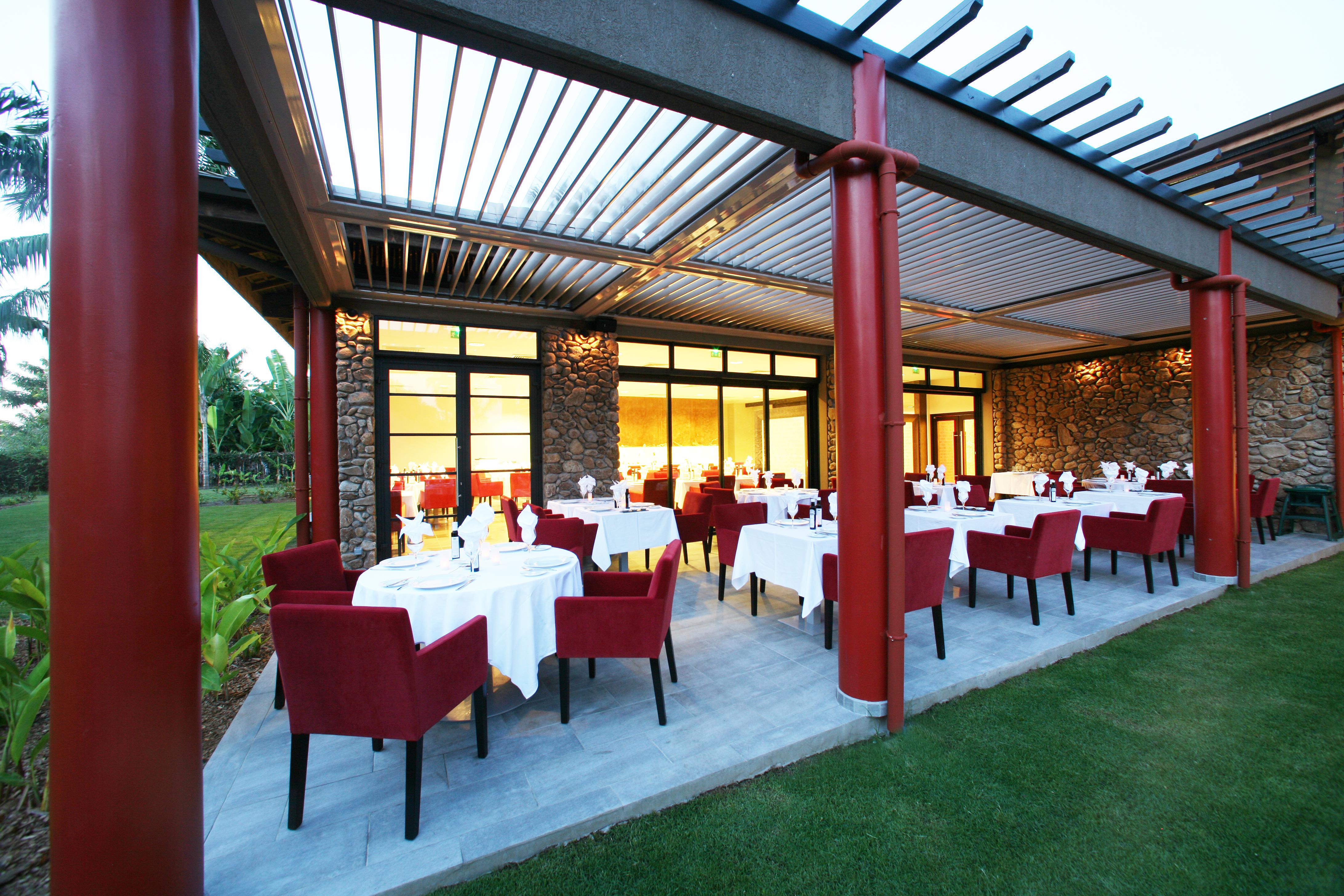 https://tahititourisme.com/wp-content/uploads/2018/03/RESTAURATION-Vaitohi-Restaurant-1.jpg