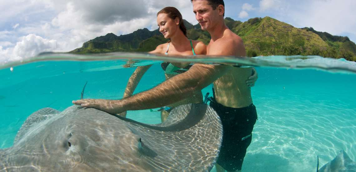 https://tahititourisme.com/wp-content/uploads/2018/03/intercontinental-moorea-resort-spa_7559331002_o_600.jpg