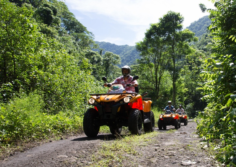 https://tahititourisme.com/wp-content/uploads/2018/05/ACTIVITES-TERRESTRE-Vaihiria-Quad-Tahiti-2.jpg