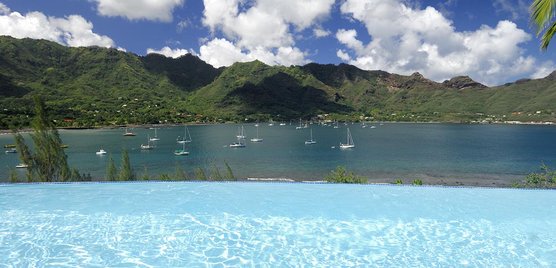 https://tahititourisme.com/wp-content/uploads/2018/06/marquesas-hotel-pool-view-1140x550.jpg