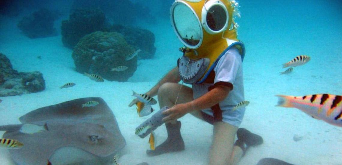 https://tahititourisme.com/wp-content/uploads/2018/06/moorea-aquablue-helmet-dive-1140x550.jpg