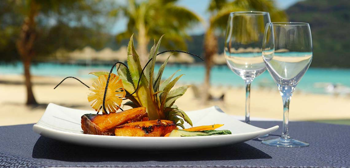 https://tahititourisme.com/wp-content/uploads/2018/07/Le-Meridien-Bora-Bora-Cuisine-1140x550.jpg
