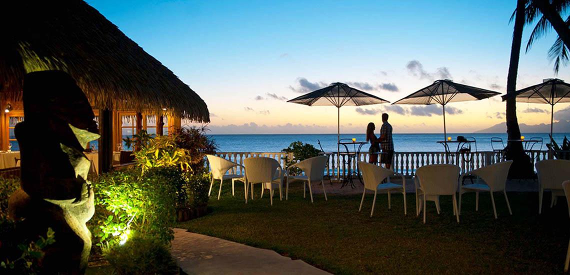 https://tahititourisme.com/wp-content/uploads/2018/07/Tahiti-Le-Cocos-Restaurant-1140x550.jpg