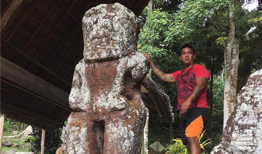 Takaii Statue