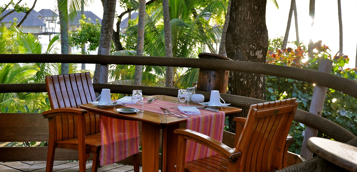 https://tahititourisme.com/wp-content/uploads/2018/11/Le-Vanille-Restaurant.jpg