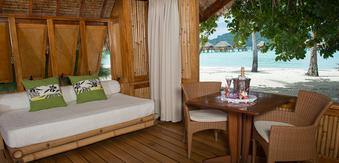 https://tahititourisme.com/wp-content/uploads/2018/12/bora-bora-pearl-beach-beach-suite-1140x550.jpg