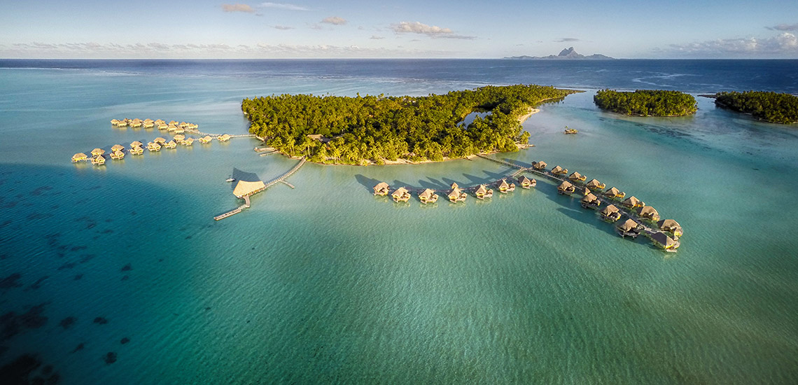 https://tahititourisme.com/wp-content/uploads/2018/12/le-tahaa-island-resort-1140x550.jpg