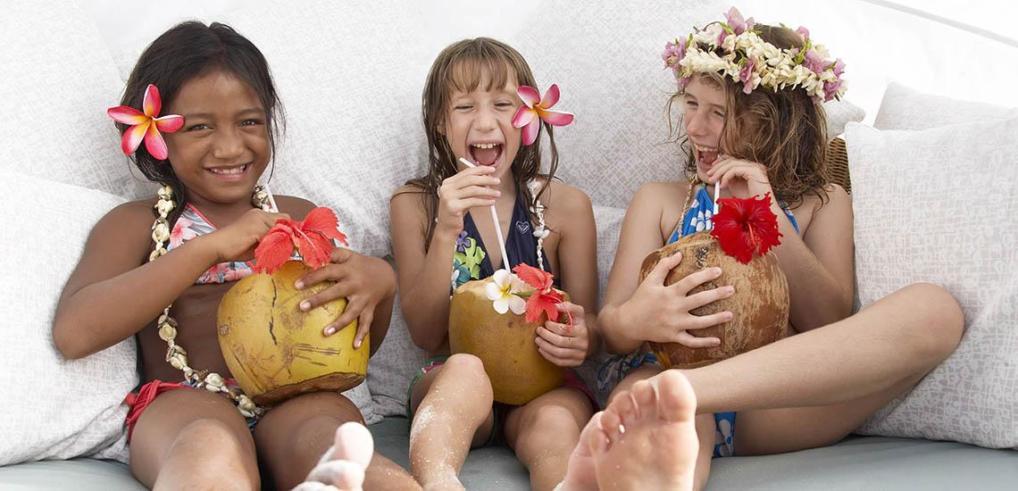 https://tahititourisme.com/wp-content/uploads/2019/01/Four-Seasons-Resort-Bora-Bora-Family-Travel-2000x1200_20673.jpg