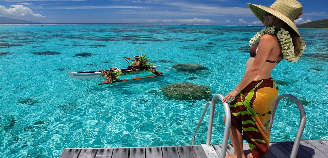 https://tahititourisme.com/wp-content/uploads/2019/01/Sofitel-Moorea-Canoe-Breakfast-1140X550.jpg