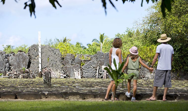 family vacation packages in tahiti