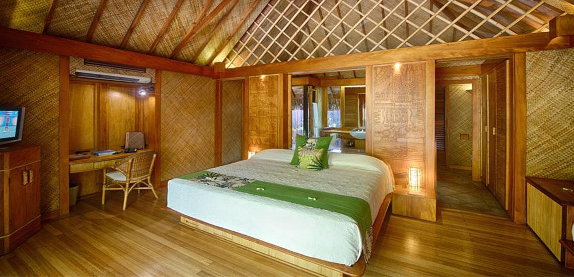 https://tahititourisme.com/wp-content/uploads/2019/01/garden-pool-villa-bora-bora-pearl-beach-resort-spa-1140X550.jpg