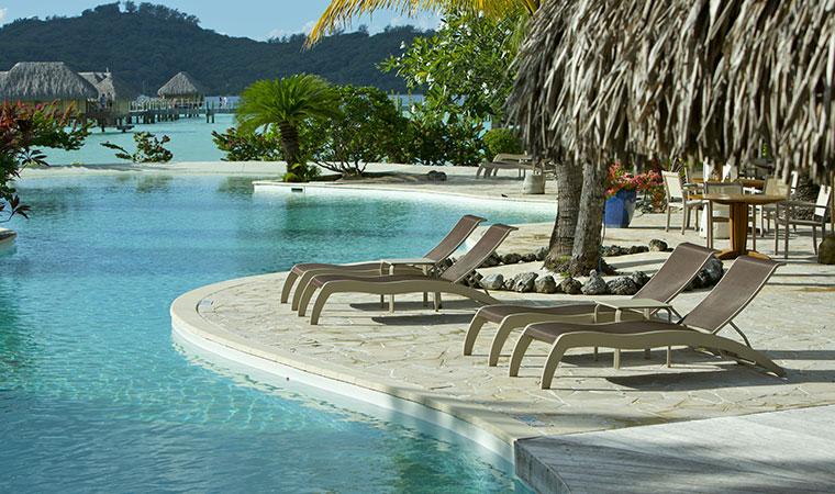 beautiful resorts in tahiti