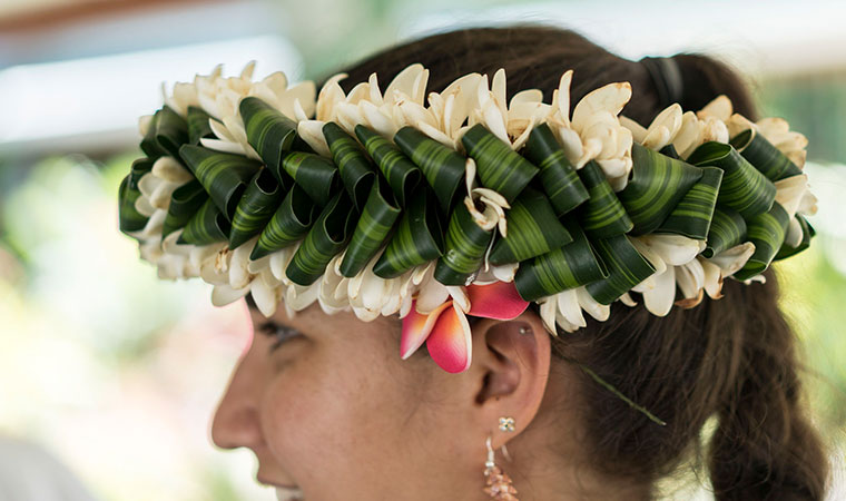 tahitian headdress from the islands of tahiti