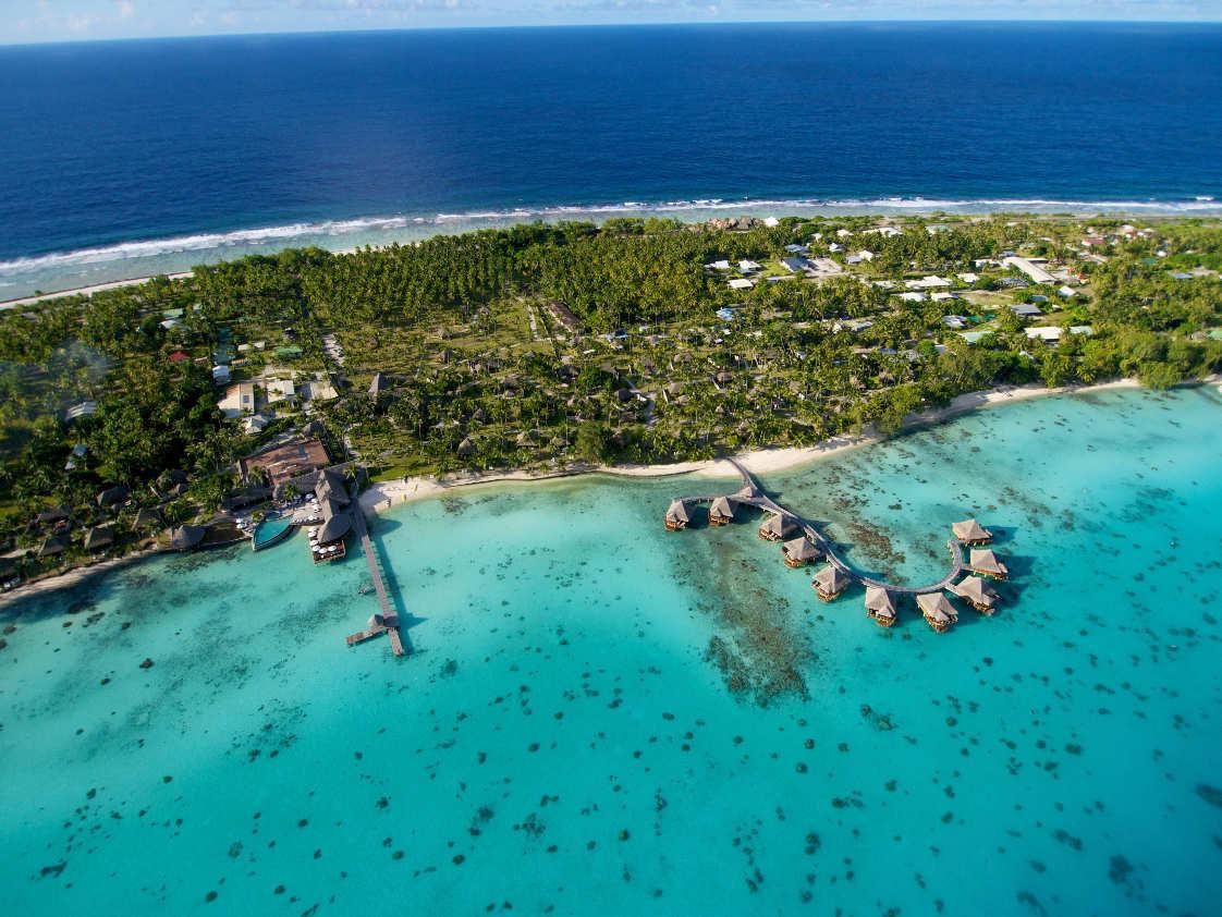 https://tahititourisme.com/wp-content/uploads/2019/02/Hotel-Kia-Ora-Drone-Photos_Page_5.jpg