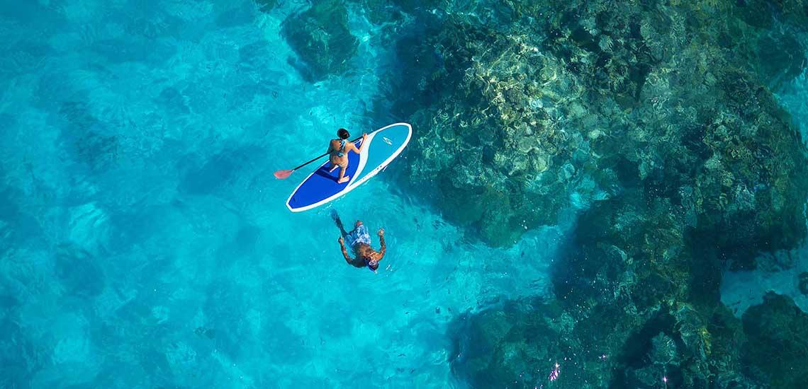 https://tahititourisme.com/wp-content/uploads/2019/02/InterContinental-Bora-Bora-Le-Moana-Paddleboarding-2000x1200_20713.jpg
