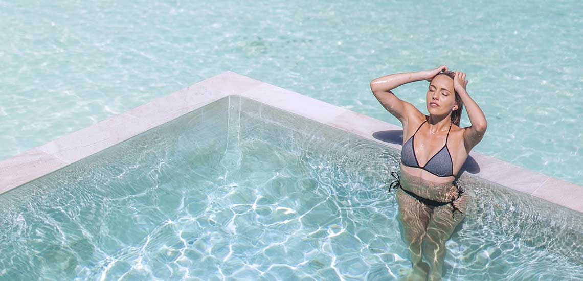 https://tahititourisme.com/wp-content/uploads/2019/04/BOB-Intercontinental-Thalasso-Pool-Overwater-Villa-pool.jpg