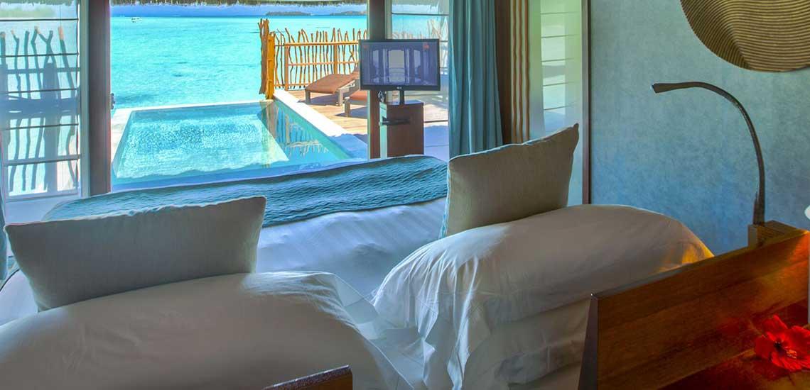 https://tahititourisme.com/wp-content/uploads/2019/04/BOB-Intercontinental-Thalasso-Premium-Pool-Overwater-Villa-bedroom.jpg