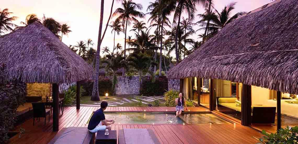 https://tahititourisme.com/wp-content/uploads/2019/04/Hotel-Kia-Ora-Rangiroa-Pool-Villa-Outdoor-1140x550.jpg