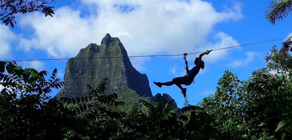 https://tahititourisme.com/wp-content/uploads/2019/04/Moorea-Zipline-Adventure-1140x550.jpg