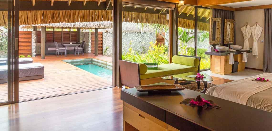 https://tahititourisme.com/wp-content/uploads/2019/04/RGIHKO-Pool-Villa-1140x550.jpg