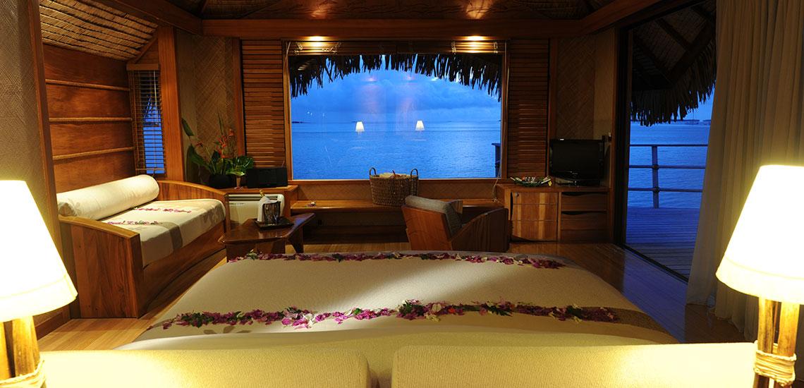 https://tahititourisme.com/wp-content/uploads/2019/04/TAHAA-Le-Tahaa-Overwater-Bungalow-Bedroom-6.jpg