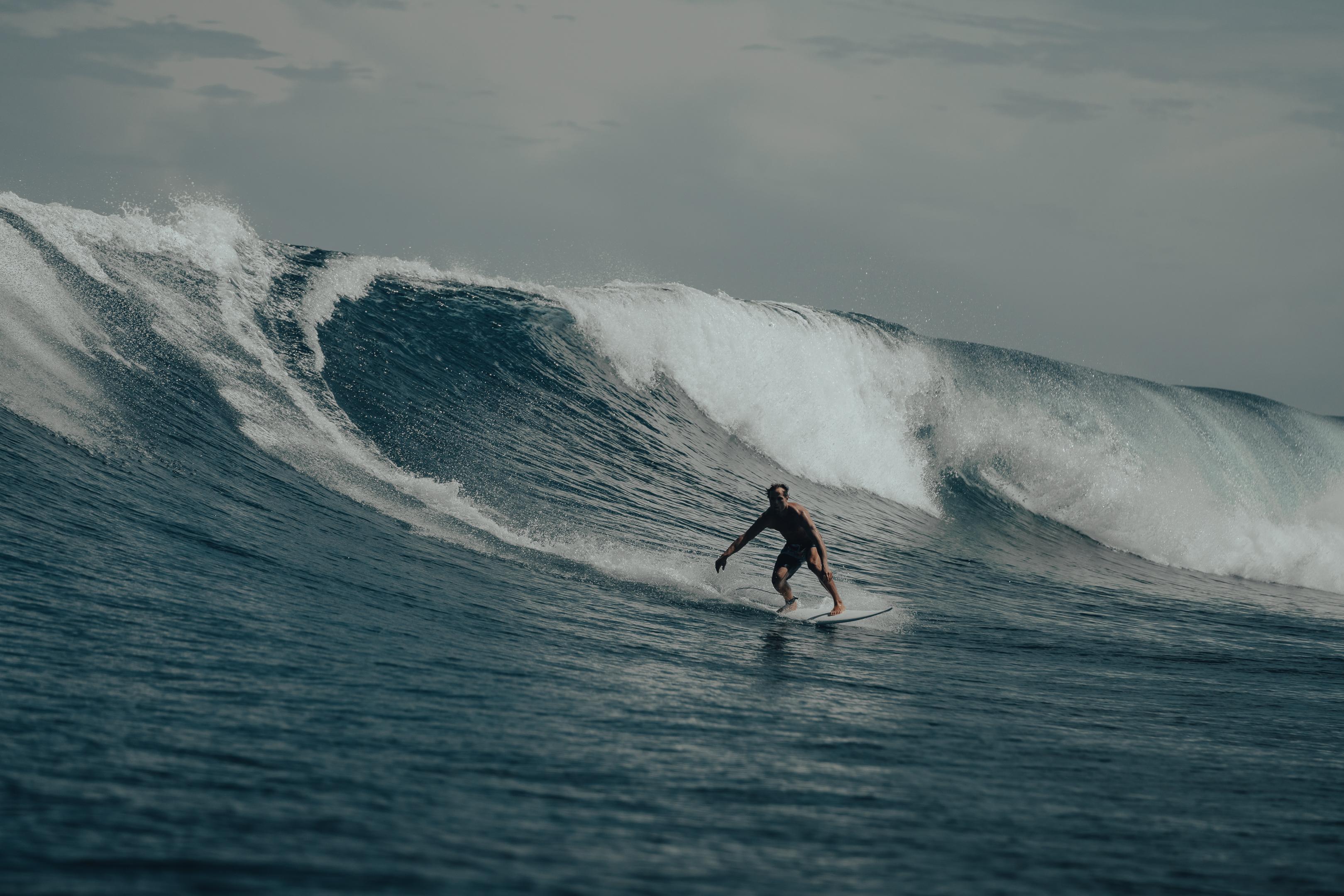 Tahiti surf spots