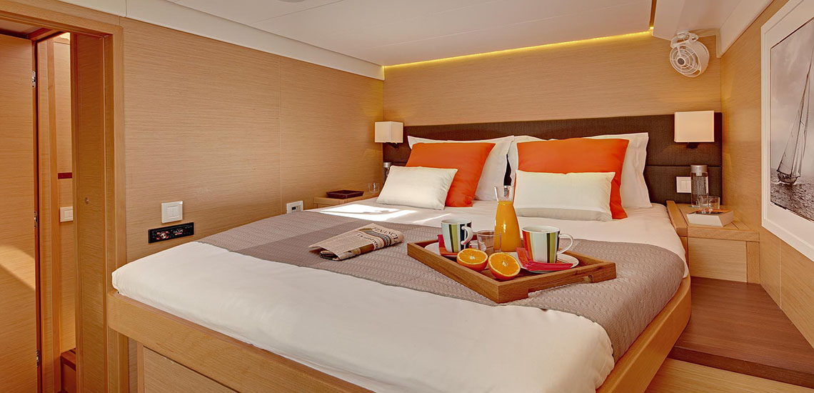 https://tahititourisme.com/wp-content/uploads/2019/08/Dream-Yacht-Charter-Bedroom-1140x550.jpg