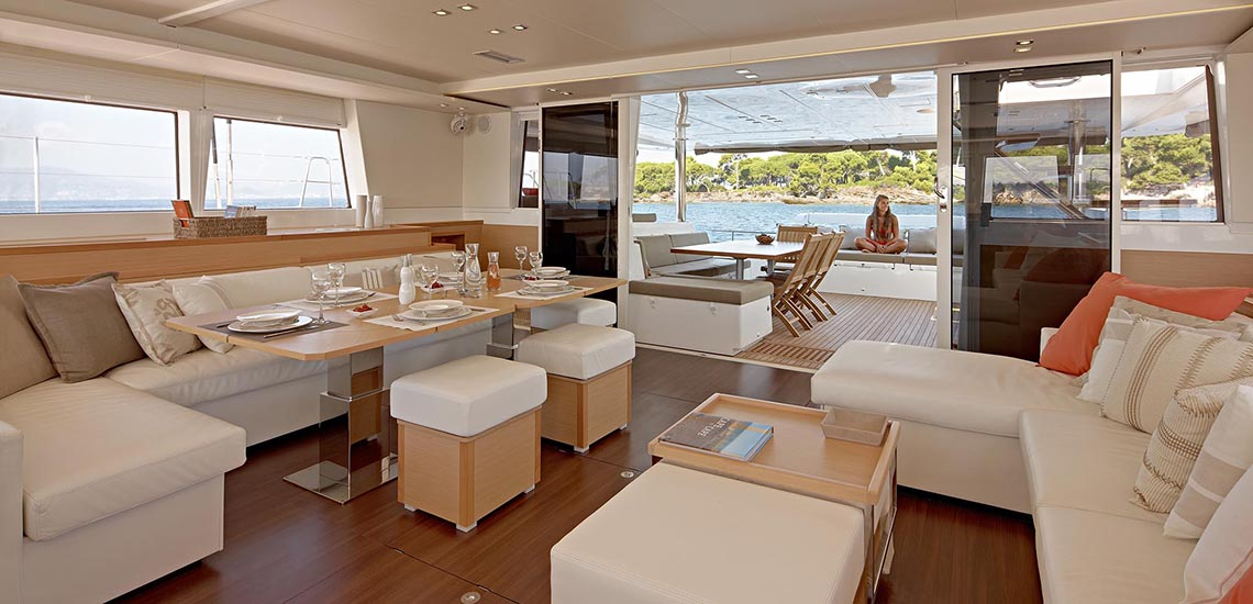 https://tahititourisme.com/wp-content/uploads/2019/08/Dream-Yacht-Charter-Common-Area-1140x550.jpg