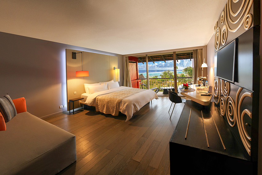 https://tahititourisme.com/wp-content/uploads/2019/09/RESIZED_Tahiti-Ia-Ora-Beach-Resort-Luxury-Garden-Room-2019-former-Deluxe-Partial-Ocean-View-Room-2018-Are-Raimbault.png