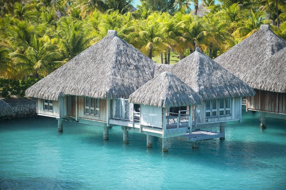 https://tahititourisme.com/wp-content/uploads/2019/09/SRBB-Overwater-Villas-Landscape-Eric-Pinel-Deluxe-Overwater-Villa.jpg